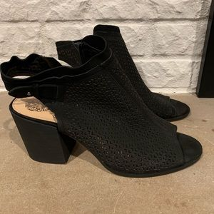 Fun chunky heel black shoes